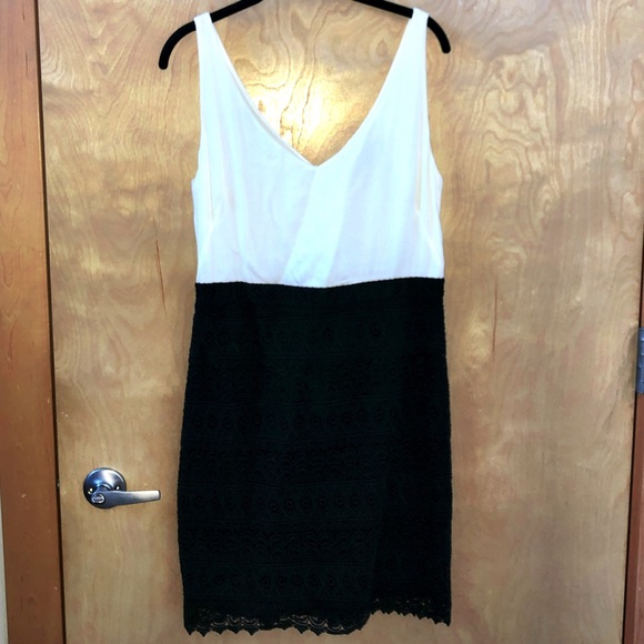 LOFT Dresses & Skirts - Ann Taylor Loft ivory and black lace dress size 8